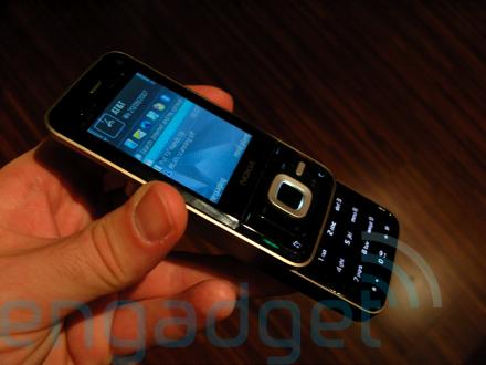 n81-hands-on-36-sm.jpg